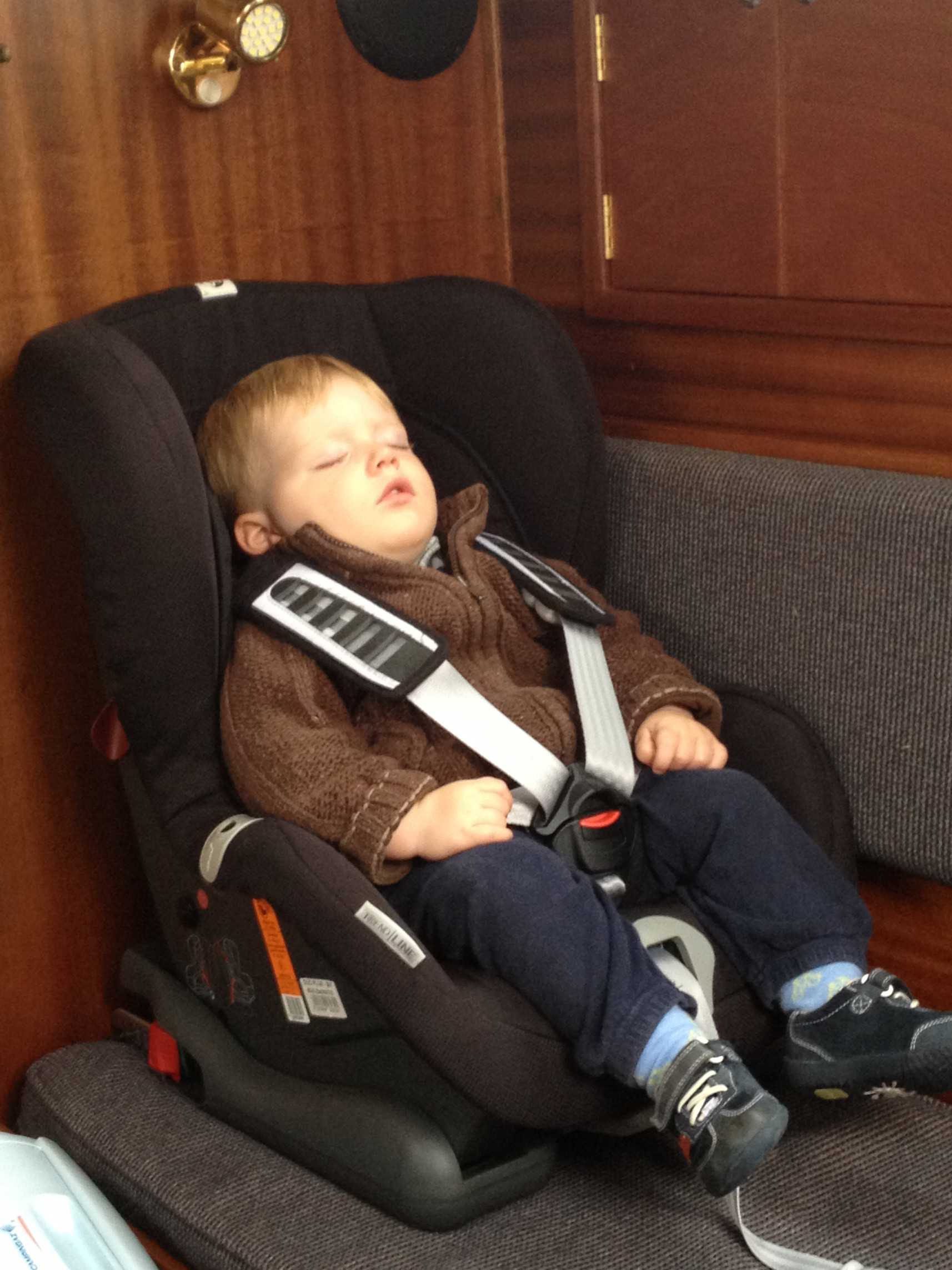 Car seat in the saloon with ISOfix