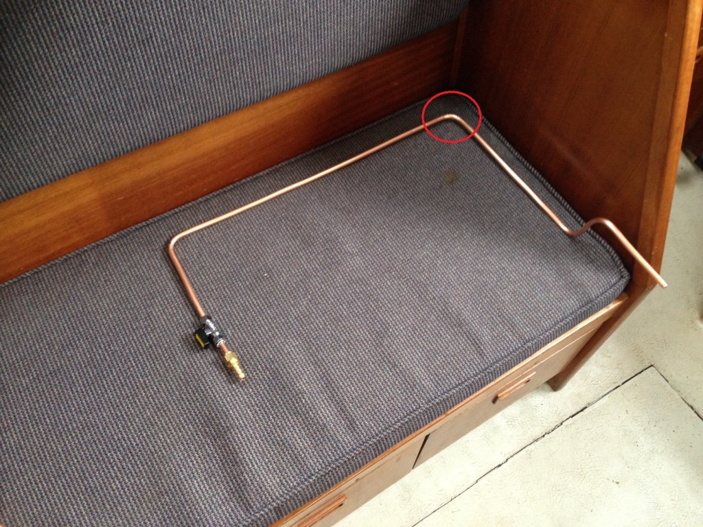Cooker gas pipe made